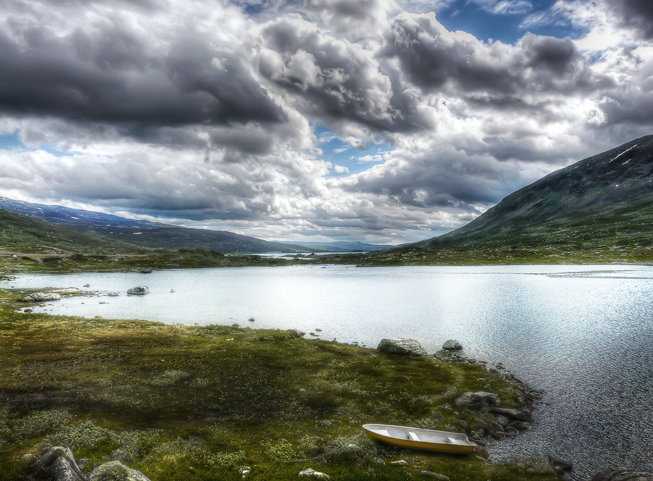 hdr-photography-nature-norway-boat-on-shore