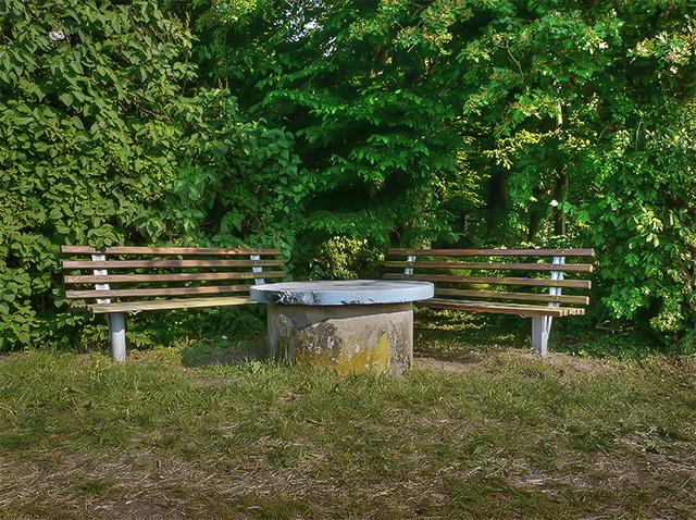 HDR-Bild: Bänke im Wald